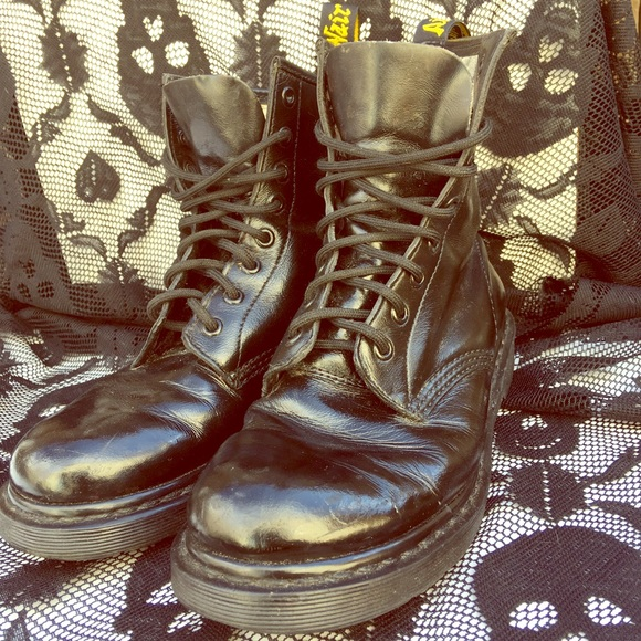 c1ca6950f642 Dr. Martens Shoes - Dr. Martens 1460 8 eyelet classics  customized